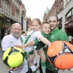 NO REPRO FEE 16/05/2012. Pictured are CEO of Barnardos Ireland, Fergus Finlay, former Irish international footballer and Barnardos ambassador, Richie Sadlier with Mark Molla Ryan (age 6) and Saoirse Jones (age 5) from St.. Audoens National School, Dublin